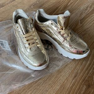 ASOS DESIGN Dexie chunky trainers in gold crackle